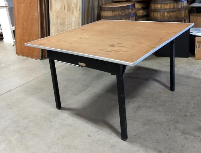 Where to find 48  SQUARE TABLE in Murfreesboro