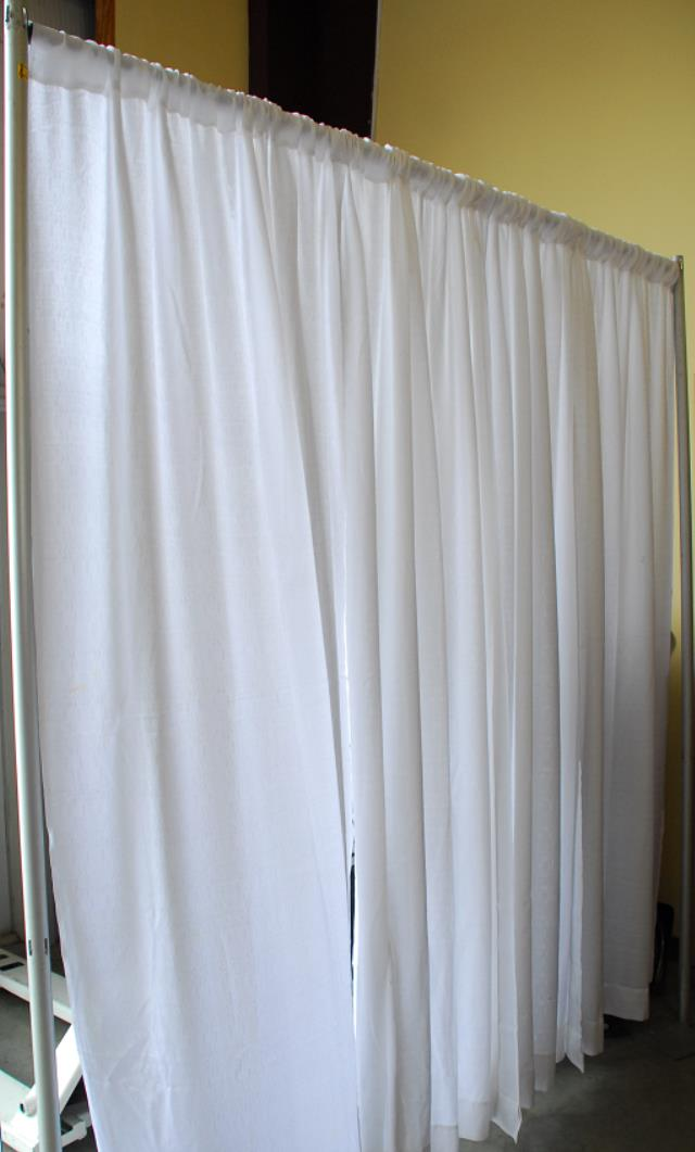 Where to find PIPE   DRAPE WHITE  8 h x 10 w  SECTION in Murfreesboro